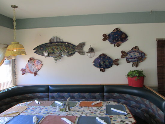 """Pelican's Net Coastal Grille & Draught House: the new """"Fish Wall"""""""