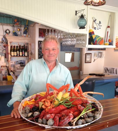 """Pelican's Net Coastal Grille & Draught House: Mark's  """"Platter  O' Seafood"""