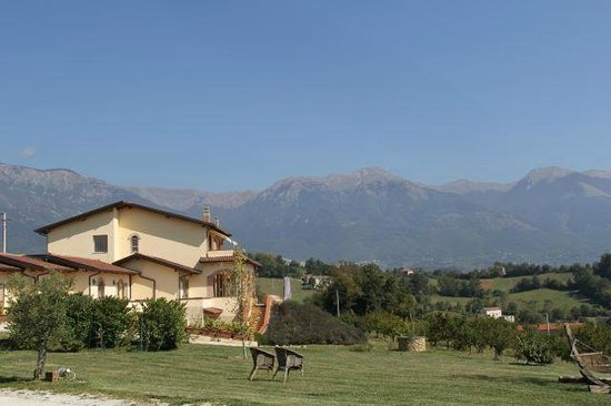 Relais Chalons d'Orange : Hotel and vista