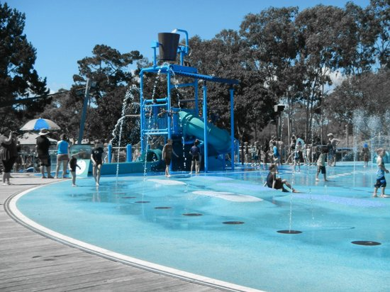 Scarness, Australia: free water park at Pialba