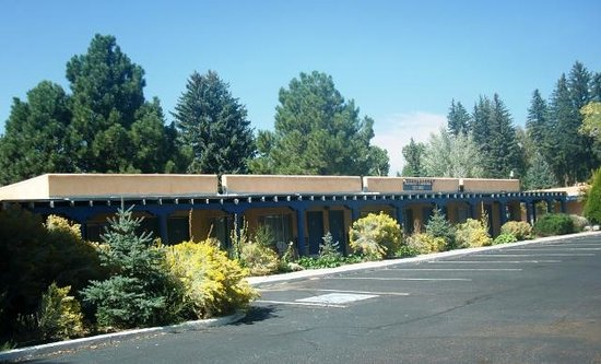 Kachina Lodge Resort and Meeting Center: One of the buildings