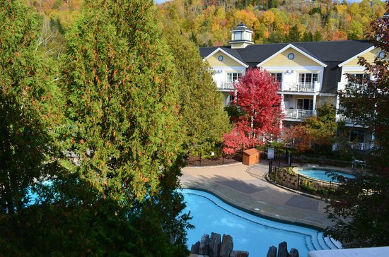Chateau Beauvallon Mont Tremblant: view from 3rd floor balcony