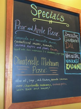 LA Fiamma Wood Fire Pizza : Be sure to check the Specials board!