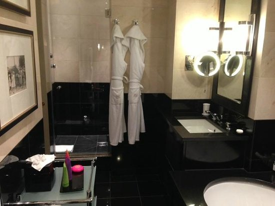 St. James's Hotel and Club : The Shower and Robes in the St. James Suite