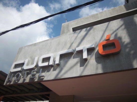 Cuarto Hotel Cebu: Hotel front