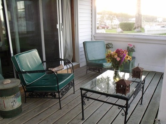 The Moorings Inn Waterfront : Porch