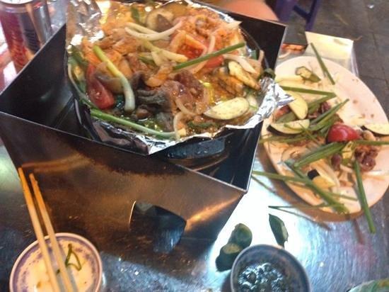 Bo Nuong Xuan Xuan: beef and pork
