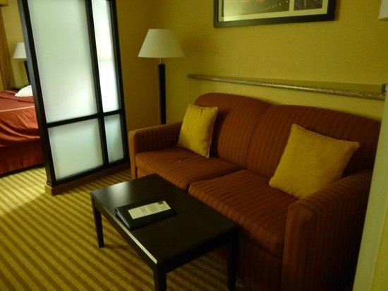 Comfort Suites: Sofa was comfortable