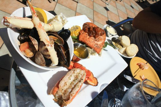 wharfside seafood grille: Delicious selection