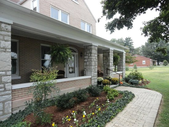 Lawrenceburg Bed and Breakfast: Beautiful home