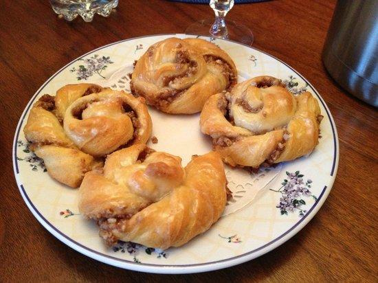Lawrenceburg Bed and Breakfast : Breakfast - Homemade mini cinnamon rolls!  SOOOOO tasty!