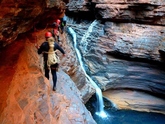 West Oz Active Adventure - Day Tours: Climbing up and around Regans Pool