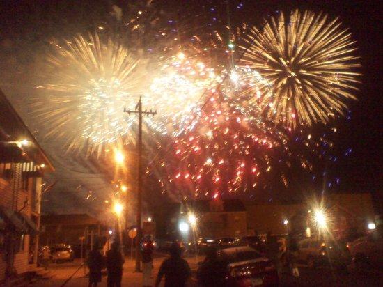 The Clifton Hotel: Every Friday fireworks ocean glen