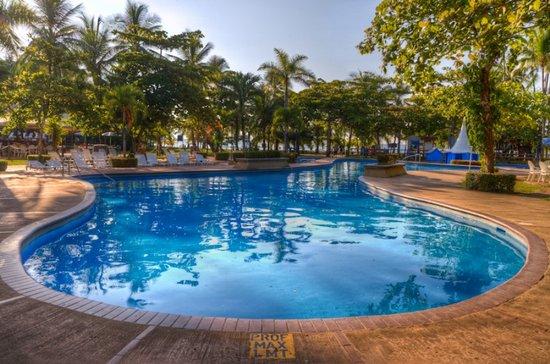 Hotel Punta Leona: Piscina