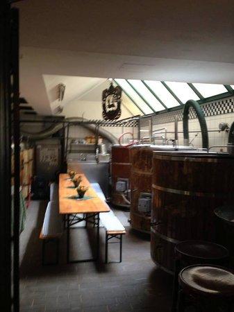 Brauhaus Calwer-Eck: 店内醸造タンク