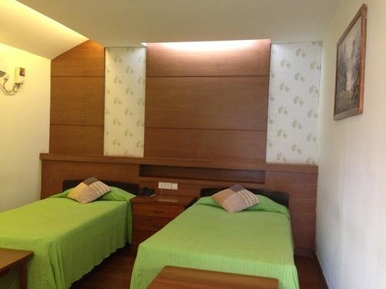 Paradise Hotel : bungalow room