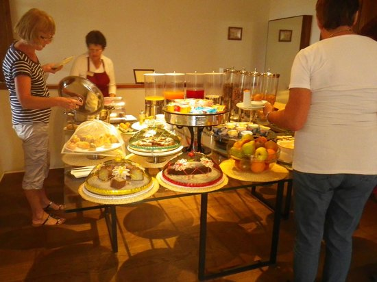 Borgo Tre Rose : breakfast spread
