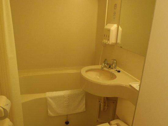 Toyoko Inn Shin-Shirakawa Ekimae: バスルーム