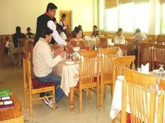 Hotel Vishal Residency: neat & clean dining hall