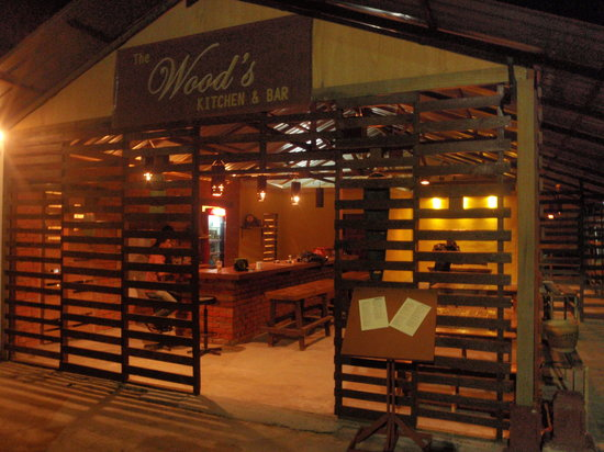 The Wood's Kitchen & Bar Langkawi: The Wood's Kitchen