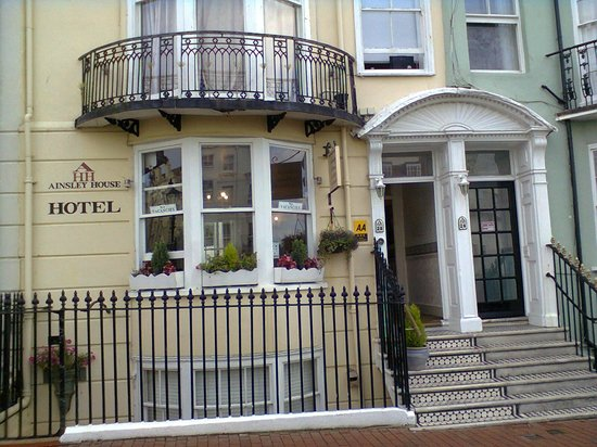 Ainsley House Hotel: Porch