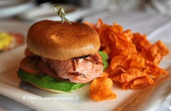 Post Hotel & Spa : Salmon Burger