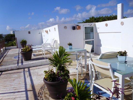 Hotel del Sol: Terraza con tumbonas y mini yacuzzi en azotéa