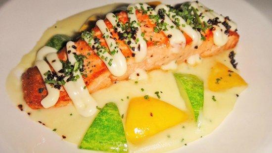teeq brasserie: Salmon Trout.. yum yum!
