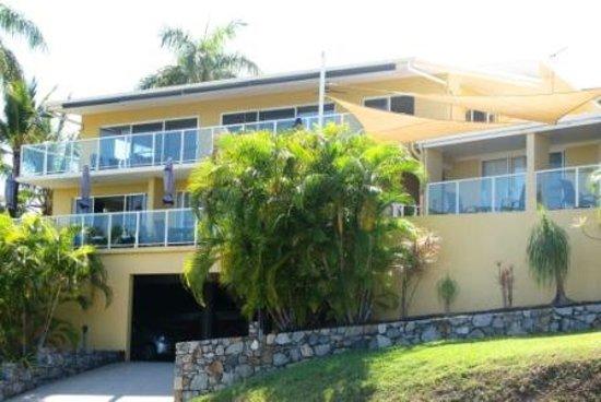 Sunlit Waters Studio Apartments : Sunlit Waters