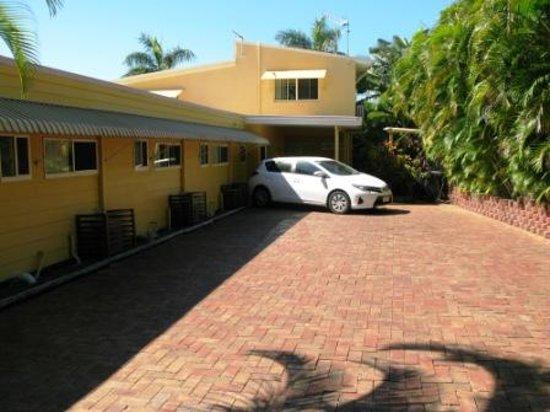Sunlit Waters Studio Apartments: Car park