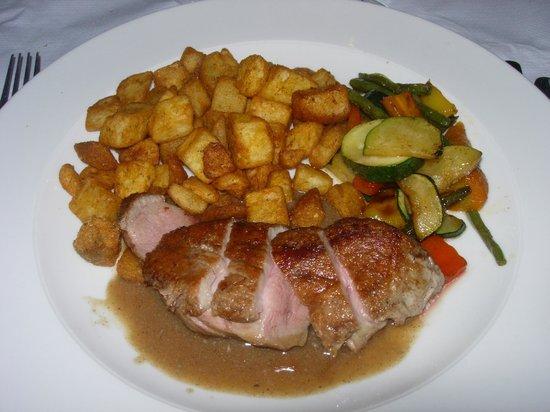 La Parisienne: Roast duck in port and foie gras sauce