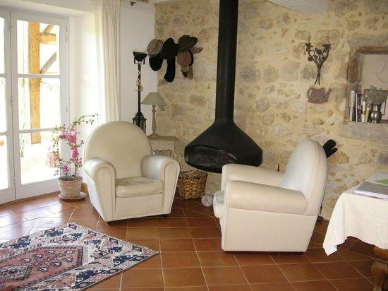 devant la petite chemin e picture of moulin de caussarieu prechac tripadvisor. Black Bedroom Furniture Sets. Home Design Ideas