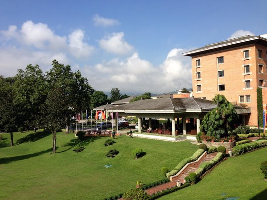 Crowne Plaza Kathmandu-Soaltee: Hotel entrance
