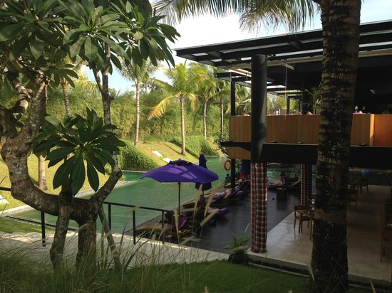 Taum Resort Bali: View of the lounge and the main pool