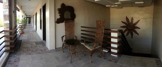 Hotel Joselina: Lounge Area Second Floor