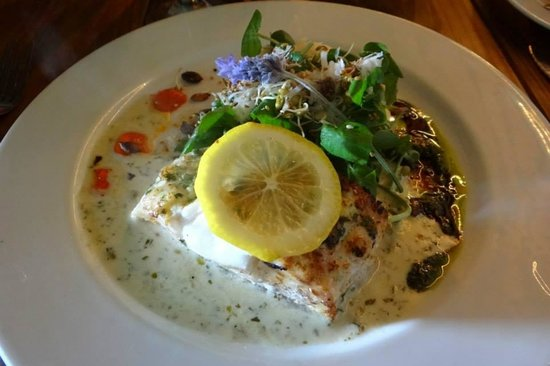 Moggs Country Cookhouse: Pan fried fresh line fish with a caper lemon parsley sauce   served with lemon grass basmati ric