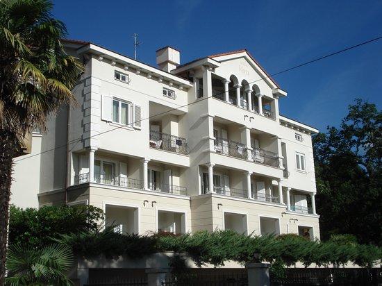 Hotel Villa Vera: Ostseit/Meeresseite