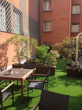 Citadines Wilson Toulouse: Jardin intérieur