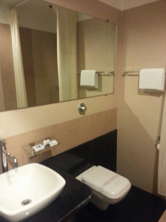 Grand Continent Hotel: Clean facilities