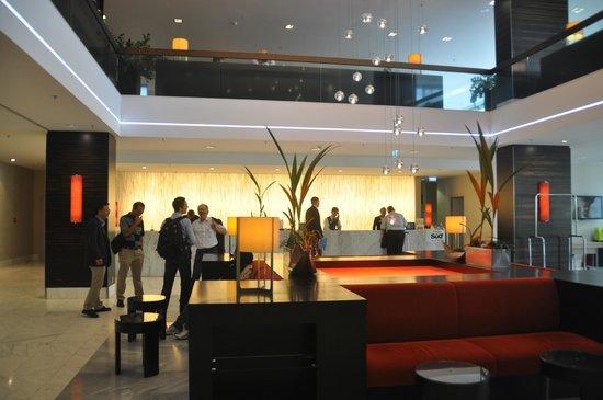 Hilton Mainz: Reception