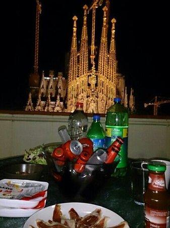 Gaudi's Nest: 夜のサンテラス