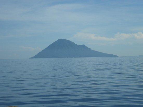 Minahasa Lagoon Dive & Tours Club: Vistas desde el hotel
