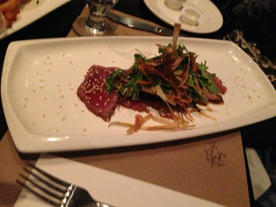 Bistro Le Balmoral : Nice looking plate, but food should taste as good as it looks, this did not