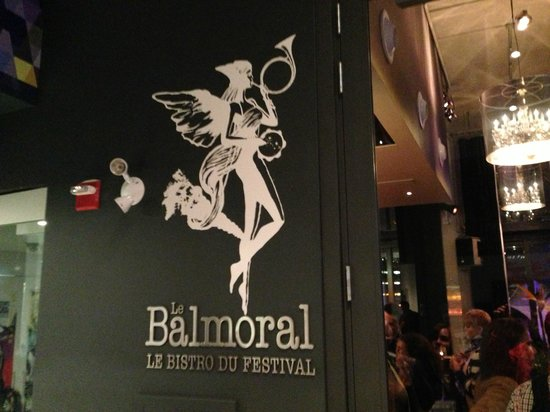 Bistro Le Balmoral : Their focus is on appearance rather than customer experience