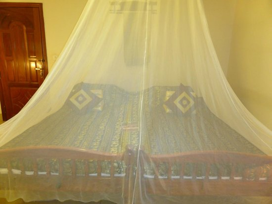 Antanue Spiritual Resort & Spa: Huge bed with mosquitoes net