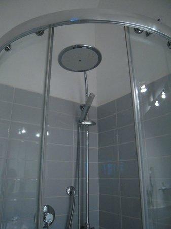 La Casa di Amy: Bagno 4 - la bellissima doccia