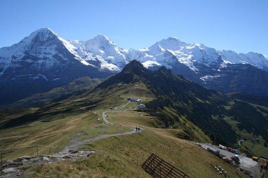 Luftseilbahnen Wengen–Männlichen: Eiger, Monk & Jungfra on a clear day