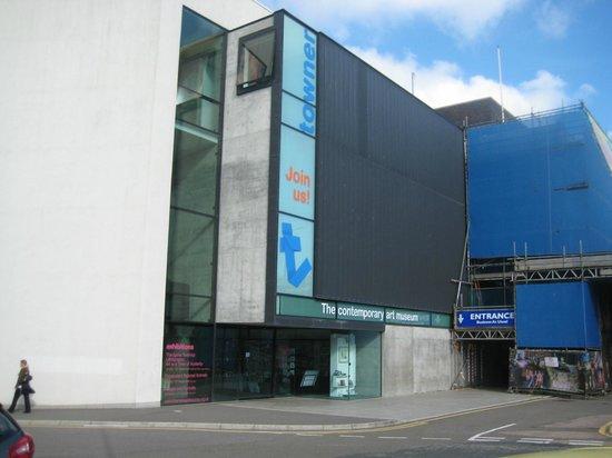 Towner Art Gallery: Bland