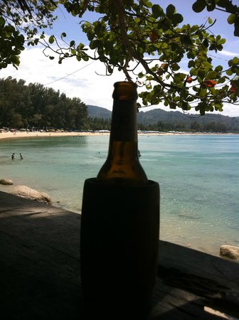 Skyla's Beach House : A beer and a view :)