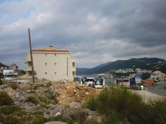 Orka Hotel: environnement !! gravats